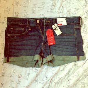 Express stretch denim shorts size 4 NWT